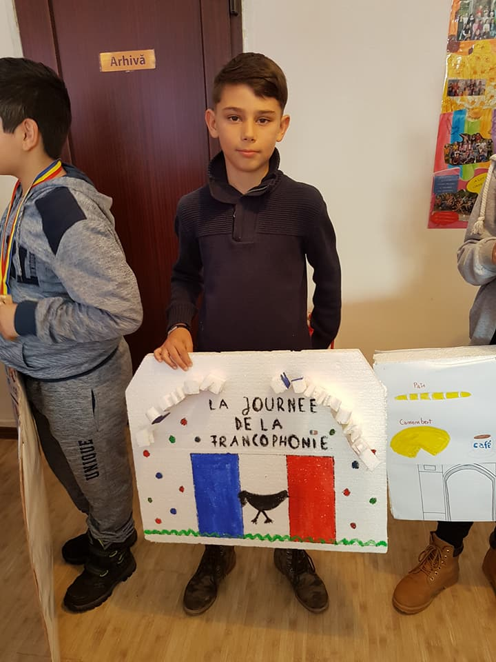 scoala-sinesti-la-francophonie-1